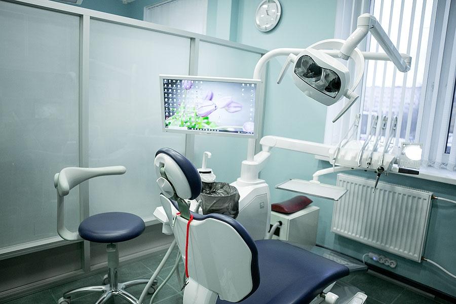 Лазерная стоматология – комфортное лечение в Медлайн